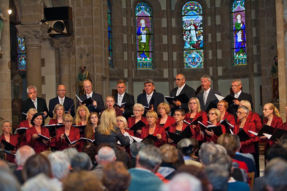 Chór Collegium Baccalarum podczas koncertu we Francji